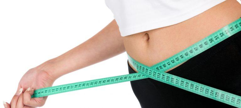 Retrouver un ventre plat avec une ceinture abdominale pour femme